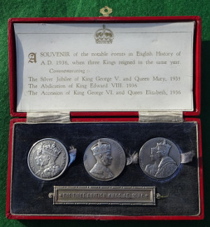 The Three British Kings of 1936, cased set of three silver medals, each 32mm
